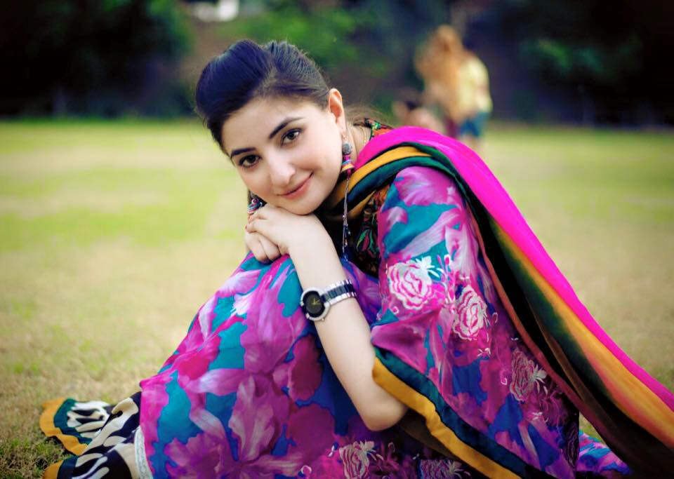 Gulpanra official gul panra talented female singer in pakistan the